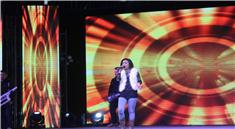 女歌手激情演唱视频