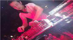 DJ张生88酒吧前场打碟喊麦视频