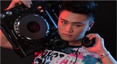 皇族DJ学院王庆帅气打碟写真照片