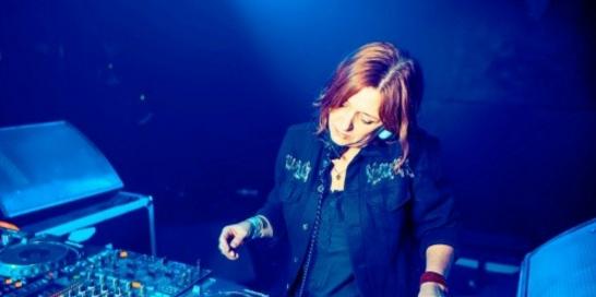 最超性感女DJ打碟视频
