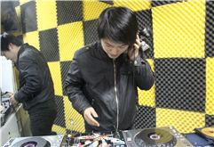 合肥DJ学员李飞打碟练习图库