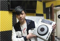 吉林DJ学员孙鑫DJ打碟照片