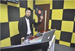 银川DJ学员阿声教室打碟图片大全