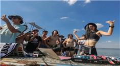 海上聚会DJ打碟视频现场