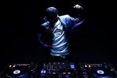 在夜店,你从来没有见过的DJ现场!
