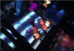 皇族DJ学员王庆酒吧现场练习视频
