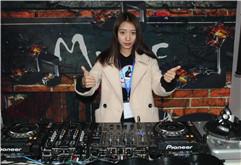 皇族DJ学院美女DJ学员叶烨练习照片