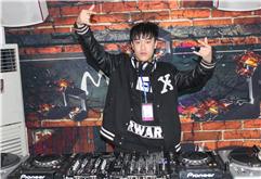 皇族DJ学员吕志练习照片