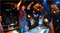 莉莉玛莲酒吧DJ现场打碟视频