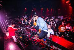 皇族DJ导师苏瑞高端酒吧现场照片
