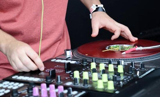 土豪DJ秀,教你搓盘小技巧!