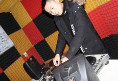 重庆DJ学员卢澳打碟练习照片