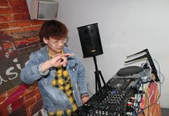 皇族徐州DJ学员张予练习照片