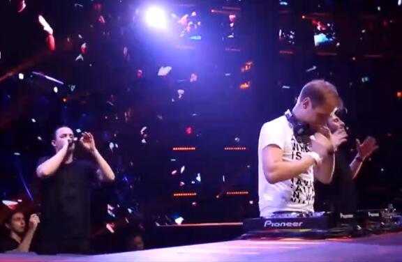比利时DJ基佬与明哥同台!