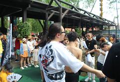 皇族DJ学员戏水池狂欢大合照