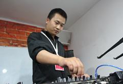 皇族DJ荆州学员李超打碟照片