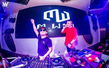 现在学DJ打碟好学吗?