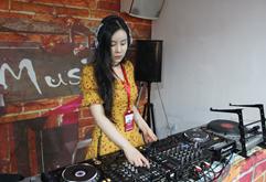 皇族DJ学员郑佳练习照片
