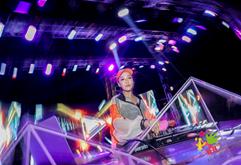 皇族DJ学员Anika欢乐谷打碟现场照片