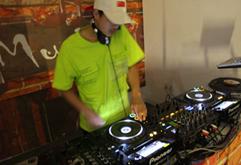 皇族DJ学员杨晓刚混音考核照片