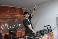 安徽DJ学员王海洋打碟练习照