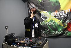 皇族DJ西藏学员云旦打碟练习照片
