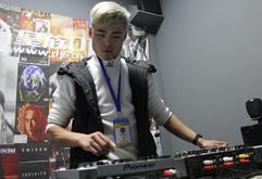 皇族DJ山西学员李亮打碟练习照片
