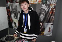 皇族云南DJ学员穆小浩打碟练习照片