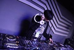 2020届DJ学员马亮打碟练习照片