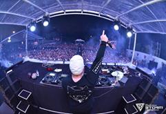 阿拉善DJ视频首秀超嗨EDM音乐节现场