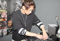 四川DJ学员严俊希打碟练习照片