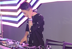 皇族DJ学员王科打碟混音现场视频