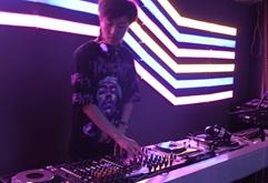 皇族DJ学员赵鑫打碟混音现场视频