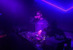 广西百色DJ学员王辉上海酒吧打碟照片
