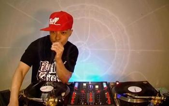 DJ大师Qbert又开直播秀Scratch了!