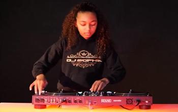 """神童""DJ Sophia测试RANE ONE"