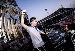 西班牙室外电音节DJ现场互动视频