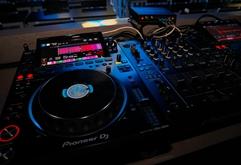 皇族DJ学校世界级高端DJ打碟设备照片